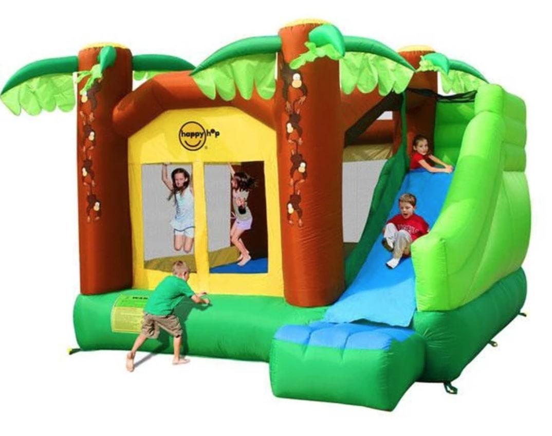 Jump and Slide Bouncer: birthday parties hong kong childrens shows magic juggling functions birthdays party hong kong 生日會派對、小丑、扭汽球、雜耍雜技, 舞蹈  遊戲, 小丑扭汽球、雜耍雜技